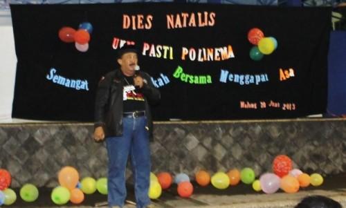 Berbagi : Salah satu wakil ketua BNN memberi sambutan dan berbagi pengalaman di Dies Natalies UKM PASTI yang ke-4