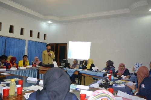 Rapat pleno APMPI oleh seluruh peserta Munas APMPI 2014 (08/09).
