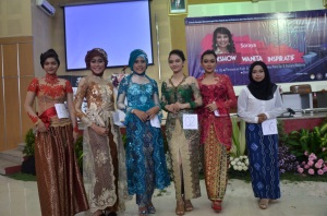 Pemenang lomba make-up perorangan