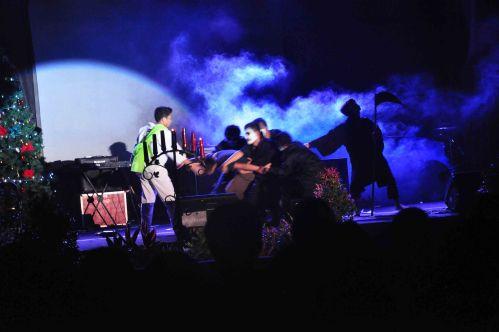 Penampilan drama dari panitia ikut memeriahkan acara Natal Bersama tersebut.