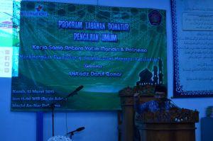 (12/03) Ustadz Darul Qomar memberikan kajian kepada mahasiswa, dosen dan karyawan di Masjid Annur Polinema