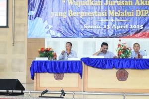 Dosen Akuntansi selaku pembicara dalam DIPAM