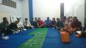 Suasana saat sharing kepemimpinan di ruang rapat Sekretariat Bersama