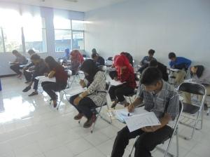 Suasana Try Out UMPN 2015 di Gedung AG Politeknik Negeri Malang yang diikuti oleh SMA, MA, dan SMK seluruh Indonesia.