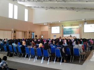 Seminar Penyusunan Karya Ilmiah yang diselenggarakan Polinema untuk memberikan gambaran kepada mahasiswa yang mengikuti PKM.